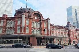 日本(にほん)の 中心(ちゅうしん)の 駅(えき)、「丸(まる)の内(うち)駅舎(えきしゃ)」   MATCHA - やさしい日本語